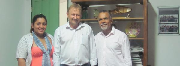 Geraldo Donizeti Lúcio (à direita) discutiu a implantação de projetos de turismo rural em Santo Antônio do Leverger