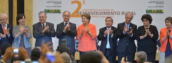 Presidenta Dilma Rousseff durante lançamento do projeto (Foto: Wilson Dias / Agência Brasil)