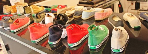 Calçados feitos com matéria-prima reciclável