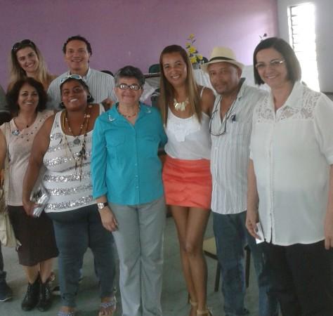 Gelson Silva (de chapéu) entre alunas e participantes de curso no Rio de Janeiro