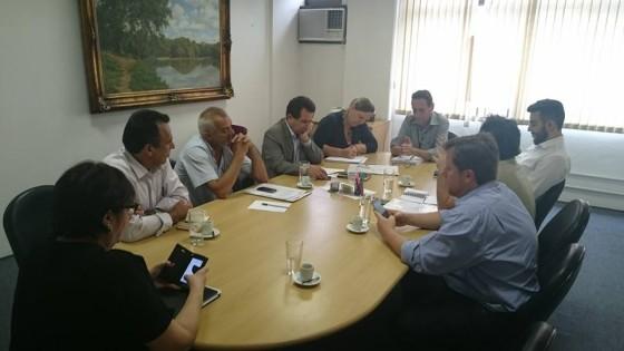 Reunião na secretaria municipal de desenvolvimento trabalho e empreendedorismo
