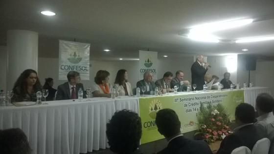 Confesol BSB panoramica da mesa com representantes e autoridades
