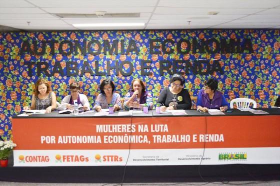 """Painel Temático """"Mulheres em Luta por Autonomia Econômica, Trabalho e Renda"""", realizado na tarde desta terça (11.08) durante a programação da 5ª Marcha das Margaridas, no Estádio Mané Garrincha, em Brasília."""